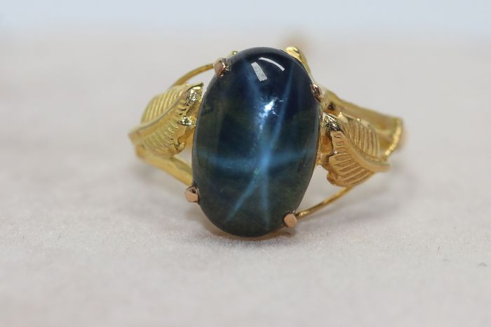 18 kt. Yellow gold - Ring - 4.00 ct Sapphire