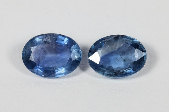 2 pcs  Zafiro - 1.68 ct