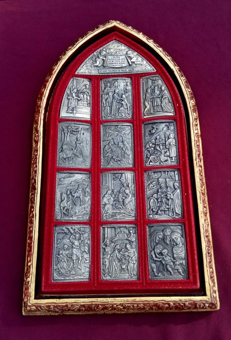 Altarpiece with Christmas motifs - Wood and alpaca engraved on velvet