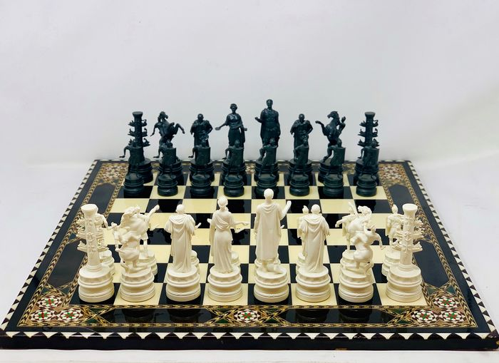 Classic Games - Chess Museum Julio Cesar with Board - Bakelite, Taracea wood