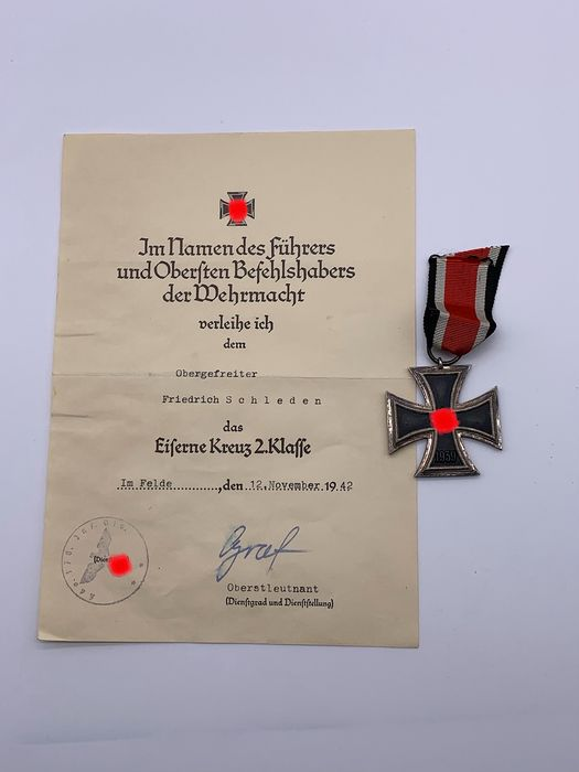 Germany - Iron Cross 2nd Class 1939 with certificate and volume - 1939