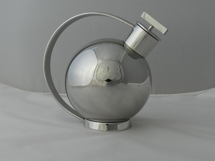 after a design by Marianne Brandt - Officina Alessi / Licensed by Bauhaus-Archive - Cocktai Shaker - 90021
