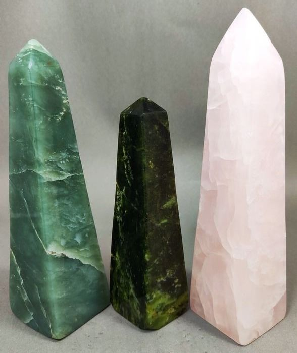 Serpentine, Calcite and Grossular Pointed Obelisks - 165×39×39 mm - 1069 g - (3)