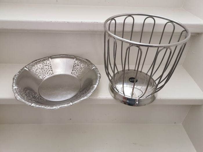 Alessi, fruit bowl and serving tray (2) - Silver plated - Italy - Second half 20th century