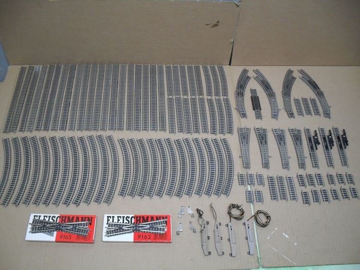 Fleischmann N - Tracks - 103-piece rail package with 8 points and many fitting pieces