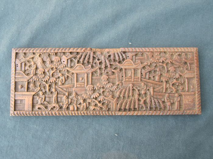 Antique richly carved Cantonese plaque - Wood - China - Republic period (1912-1949)