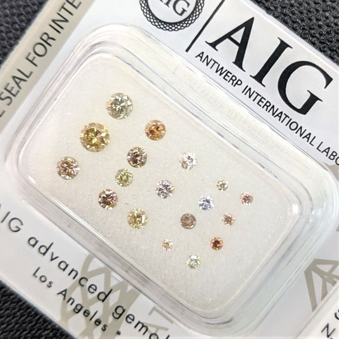 18 pcs Diamanten - 0.56 ct - Mengen - Fancy Mix Color - P1, SI1, SI2, SI3, VS1, VS2, VVS1, VVS2, No Reserve Price