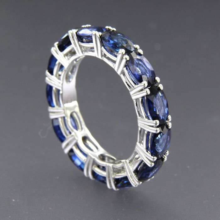 18 kt. White gold - Ring - 6.40 ct Sapphire