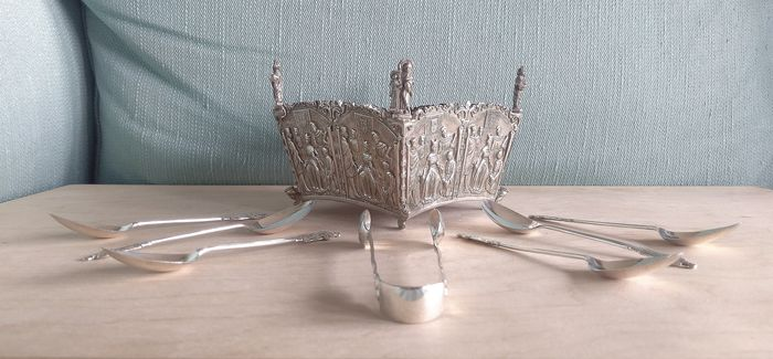 Spoon, Sugar bowl (8) - .925 silver - Maurice Freeman and William Devenport  - U.K. - 1901 and 1913