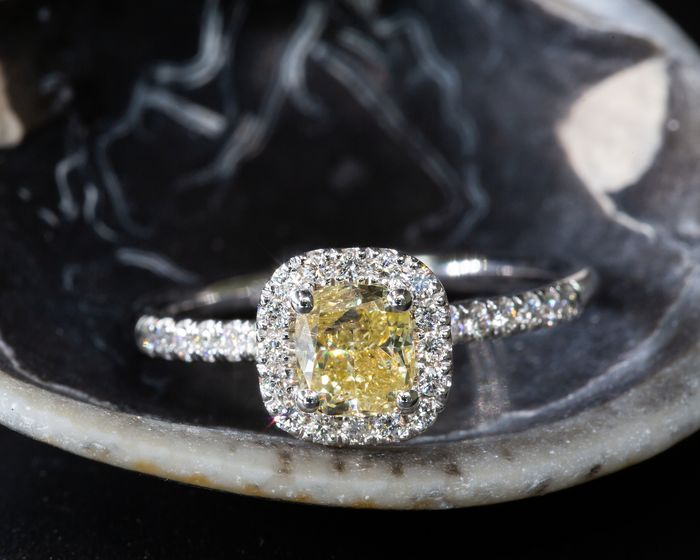 18 quilates Oro blanco - Anillo - 0.93 ct Diamante - Fancy Intense Amarillo - SI1 - Sin Precio de Reserva