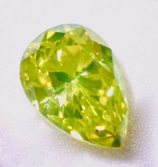 1 pcs Diamant - 0.81 ct - Birne - fancy intens greenish yellow - SI2
