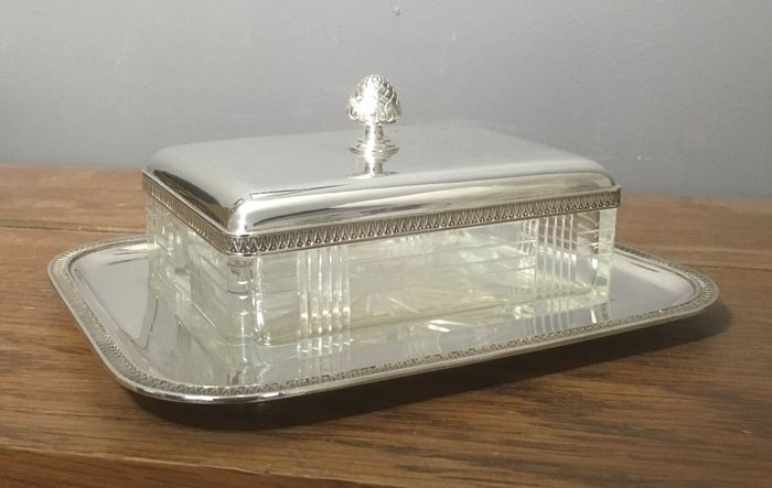 Sardine cover dish / butter dish - .800 silver - MH Wilkens & Söhne  - Germany - First half 20th century