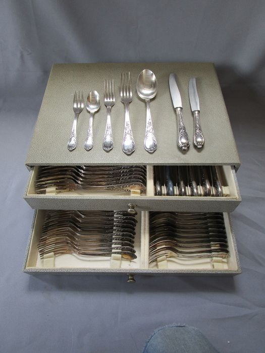 Rococo silver cutlery - 12 place settings / 84 pieces - complete, in original cutlery box - Germany - Solingen - 100 silver lining - outstanding condition - Germany - around 1920 / 1930