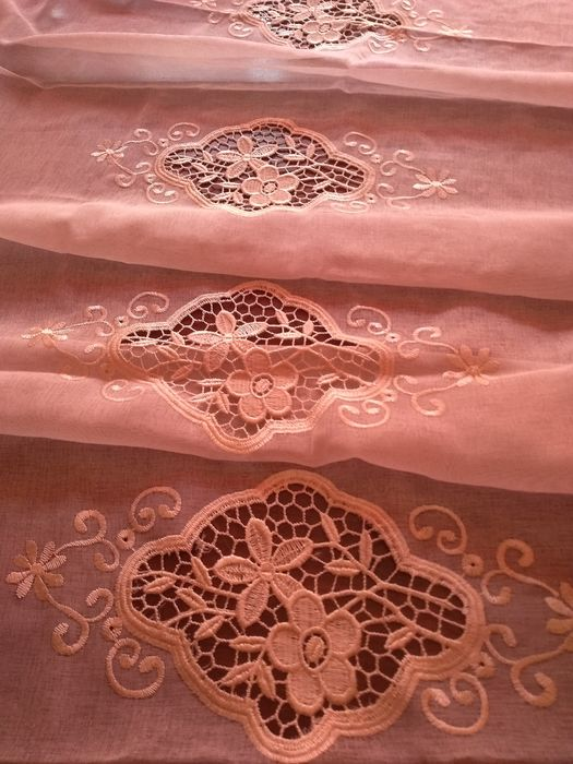Magnificent floral voile embroidered curtain - 290 x 140 cm - Cotton blend voile. - 1960
