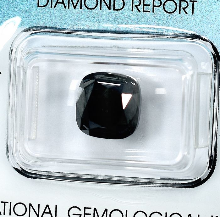 Diamond - 5.90 ct - Cushion - Black - N/A