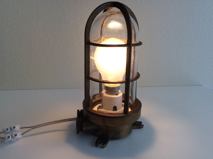 Antique ship lamp - Bronze (gold-plated / silver-plated / patinated / cold painted), Glass