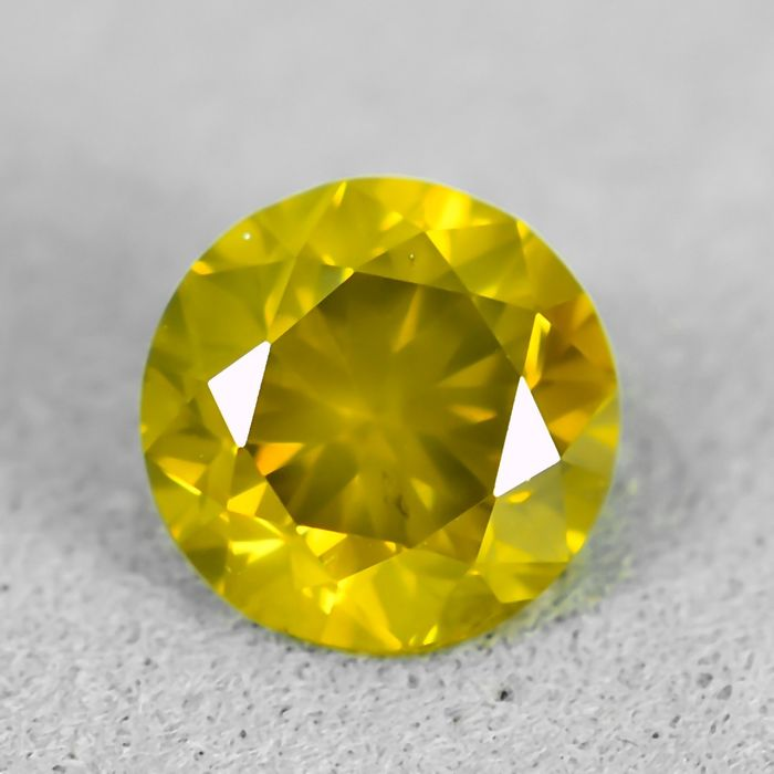 Diamant - 0.90 ct - Briljant - Fancy Vivid Greenish Yellow - SI1