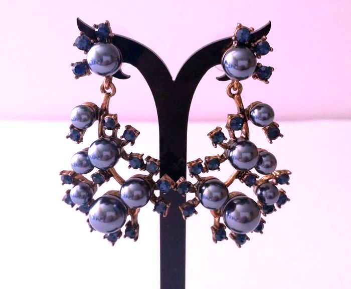 Oscar De La Renta - exclusive sapphire blue crystal  Earrings