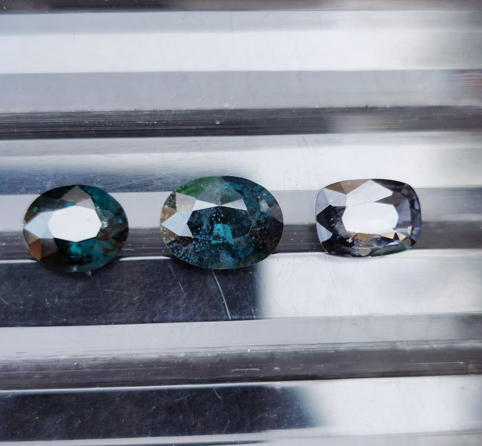 3 pcs  Spinelle - 5.58 ct
