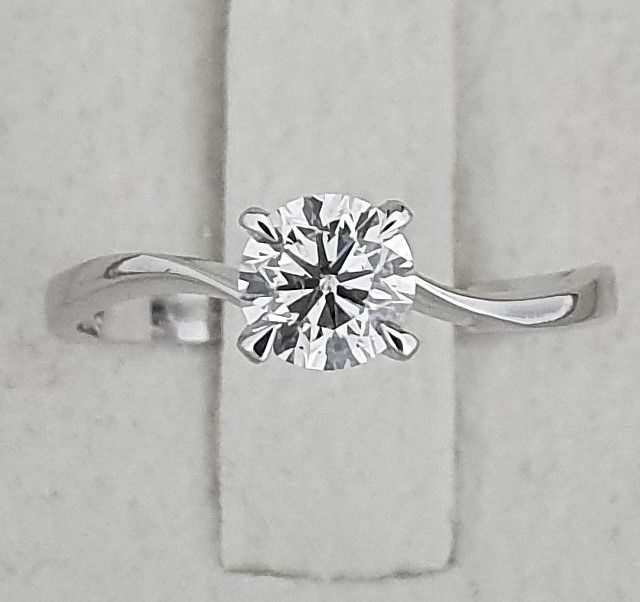 14 kt. White gold - Ring - 0.73 ct Diamond