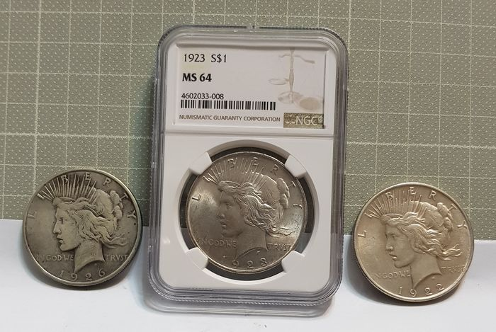USA - Dollar (Peace) 1923 in NGC Slab + Dollars 1922 and 1926 (3 coins)  - Silver