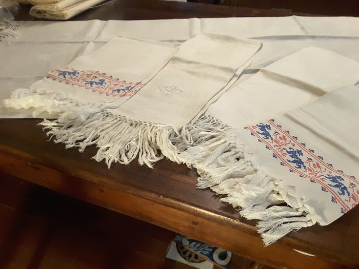 Towel (5) - damask and linen