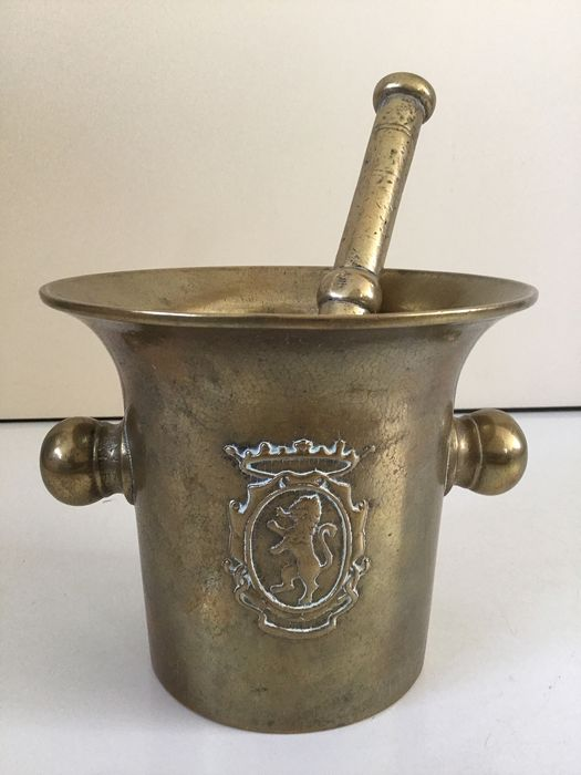 Antique bronze apothecary mortar with lion with accompanying bronze pestle - Bronze - 19th century