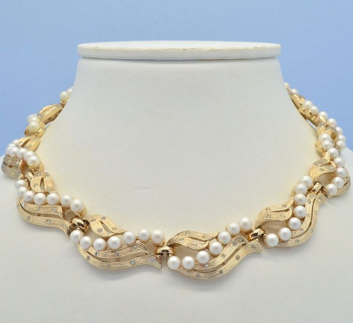 Crown Trifari Alfred Philippe Vintage 1950s Faux Pearl & Clear Crystal Gold Plated - Necklace