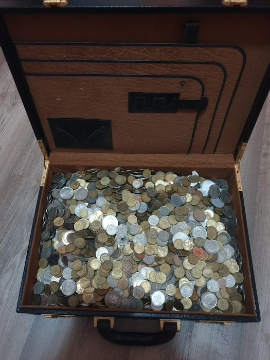 World - Lot various coins (8 kilo)