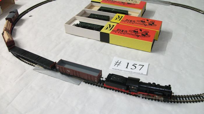 Piko N - Train unit - with steam locomotive BR 55 with 8x different cars - # 157 - DR (DDR)