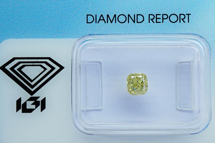 1 pcs Diamante - 0.64 ct - cojín brillante - light yellow - I1 - No Reserve
