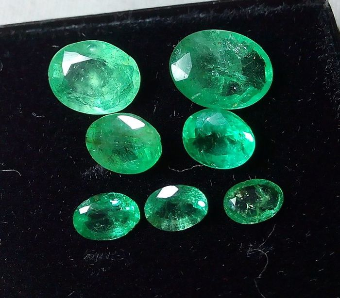 7 pcs Green Emerald - 2.55 ct