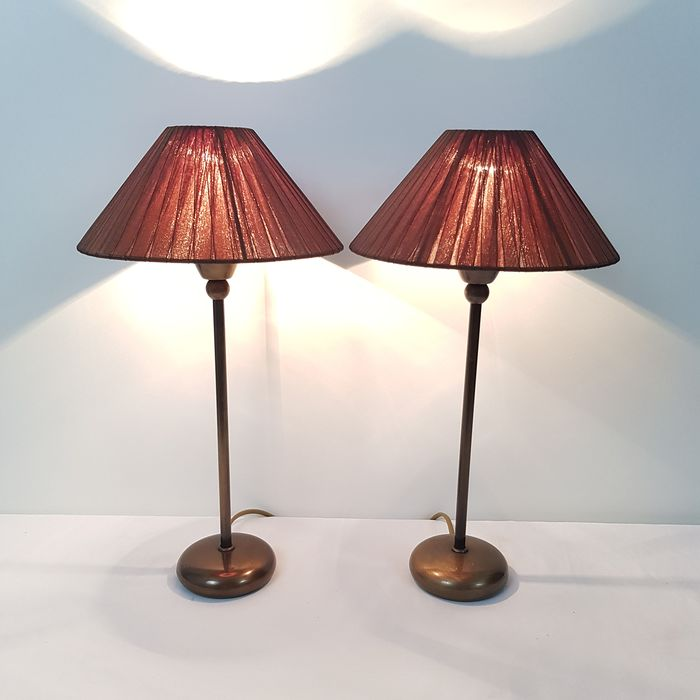 Vandeheg - Two identical table lamps - Brass / bronze
