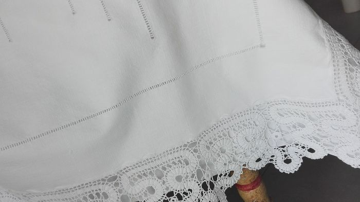 Precious sheet, with rich lace. New. Very soft - cotton and linen - First half 20th century