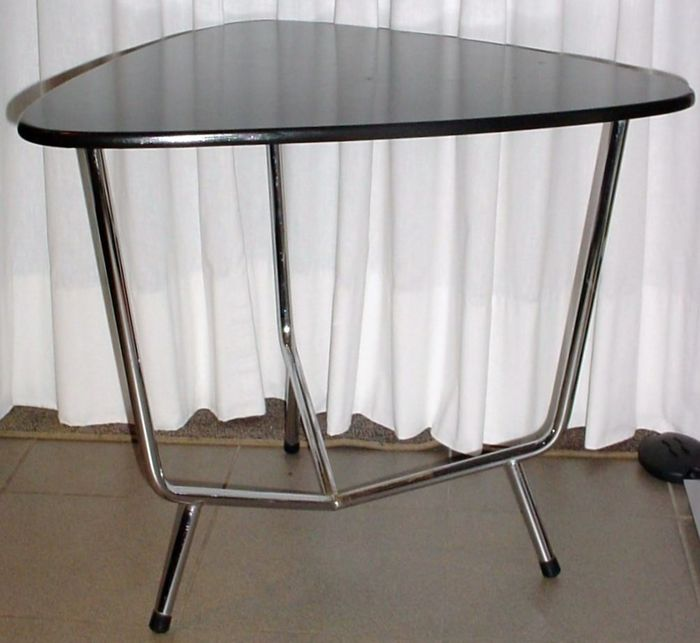Coffee table, tubular steel frame, vintage