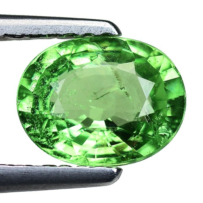 No Reserve - Yellowish Green Tsavorite - 1.42 ct