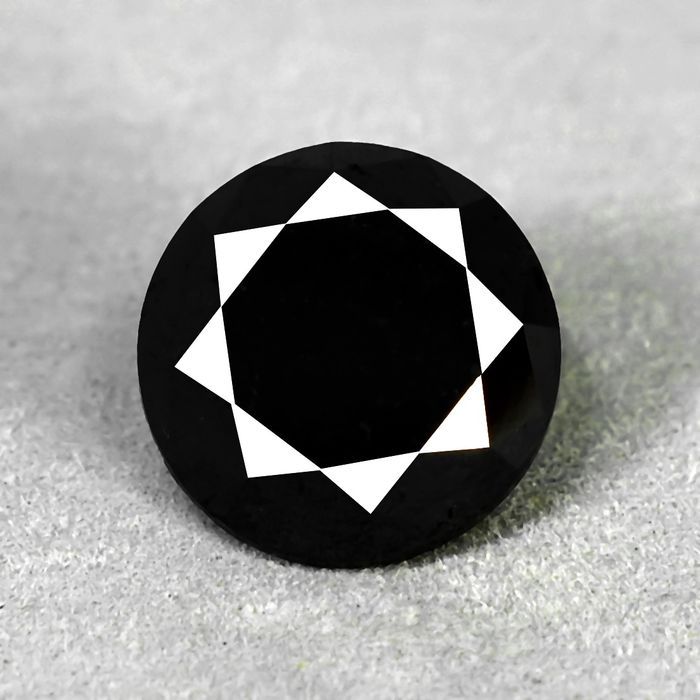 Diamond - 8.67 ct - Brilliant - Colour Treated, Black - N/A