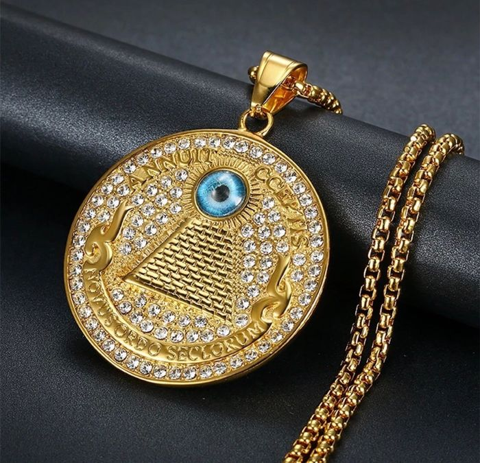 Rare MASONIC pendant Eye Of Providence  - Goldplate