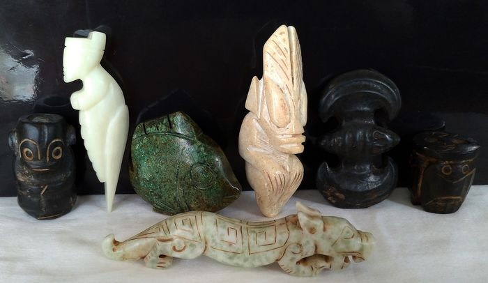 Amulets, Figurine(s), Sculptures, Cong Ritual (7) - Hardstone - Mythology / Ritual / Chinese Culture (695 g) - China - 21st century