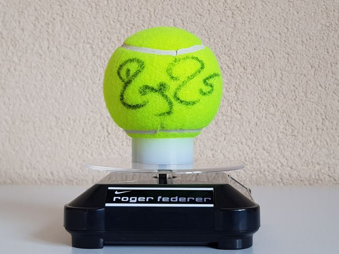 Tennis - Roger Federer  - Signed new tennis ball on display