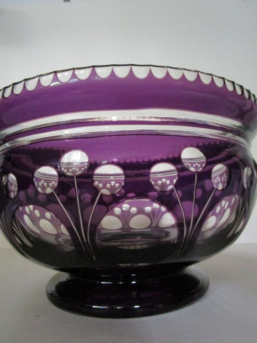 Crystallerie du Val St. Lambert - Large Centerpiece - Bowl - amethyst color cut crystal - polished overlay glass