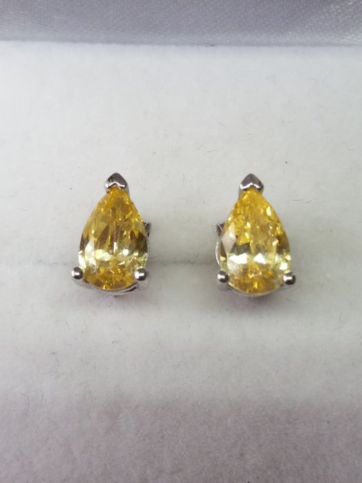 925 - Pear Cut Citrine Earrings - 0.75 ct