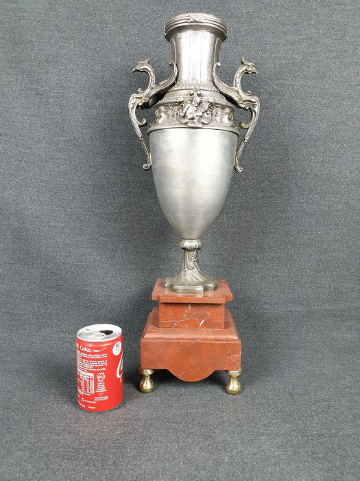 Ancient and large richly decorated urn (1) - Antimony base in marble and bronze pomi
