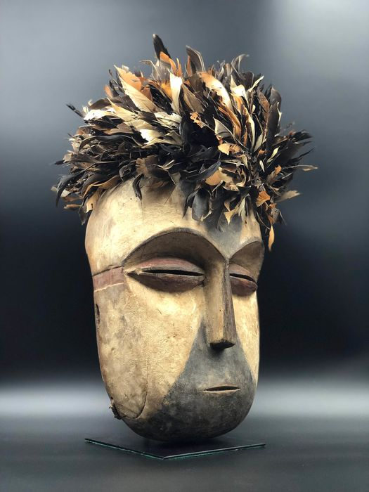 """Great mask GALOA"" - Wood, Feathers, Kaolin & Pigments - Gabon"