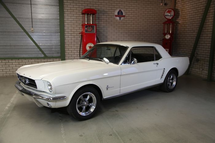 Ford USA - Mustang Coupe V8 - 1965
