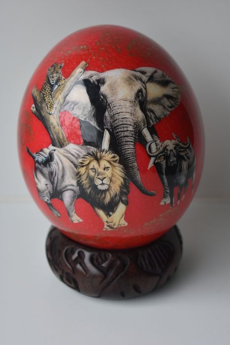 ostrich egg - the big five (1) - ostrich egg shell, hardwood base