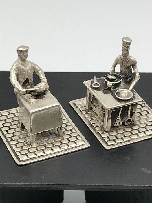 C.A Stout Rotterdam  - 2 Handmade Dutch silver Miniatures Butcher with chopping block and Cook with oven (2) - Silver
