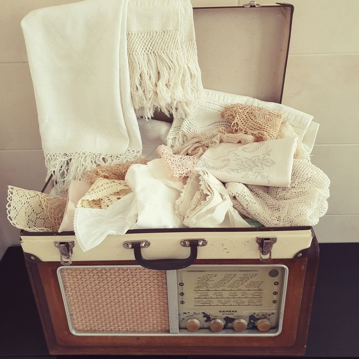 Suitcase of ancient household linen (23) - Cotton, Linen on antique loom - Fiandra