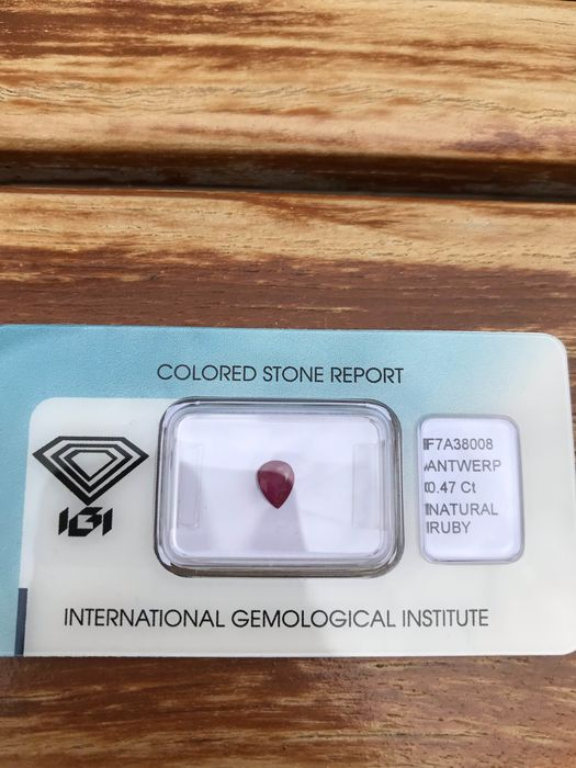 Red Ruby - 0.47 ct