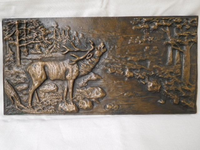 Plaque, Wall unit, Depicting a deer at the river in the woods - Bronze - Around 1900